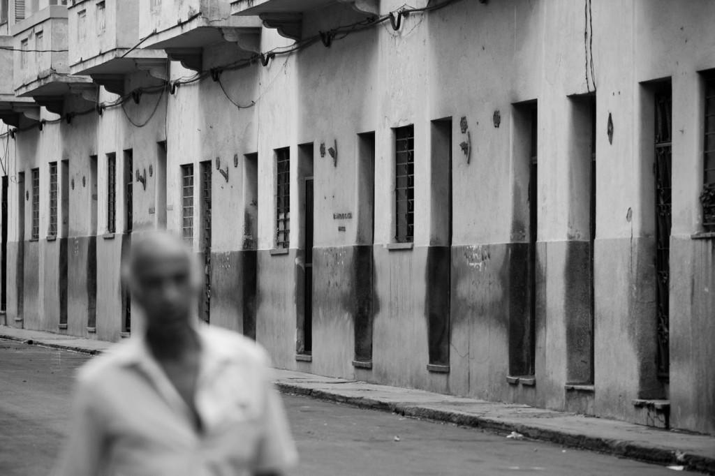 CUBA, VIDA Y BARRERAS - IVAN CUEVAS HERNÁNDEZ